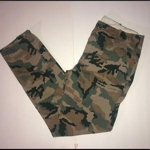 NWOT Levi's Camouflage Chino Pants